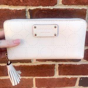 ✨ NEW Kate Spade Cream Wallet